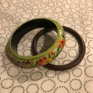 Jewelry - Free with purchase - 2 wooden bracelets